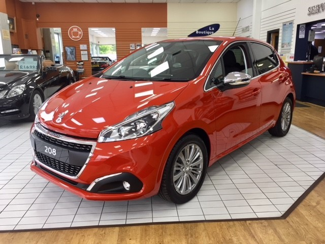 used Peugeot 208 ALLURE in llanelli-south-wales