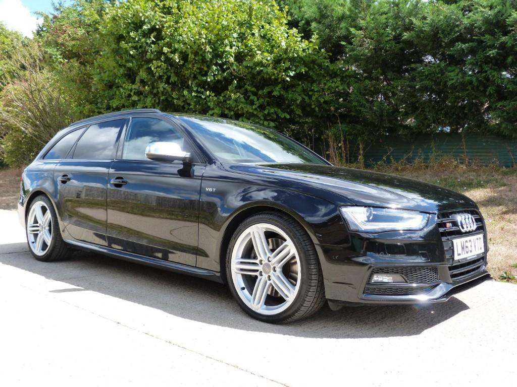 used Audi S4 AVANT QUATTRO BLACK EDITION in Berkshire