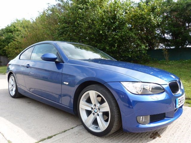used BMW 320i SE HIGHLINE in Berkshire