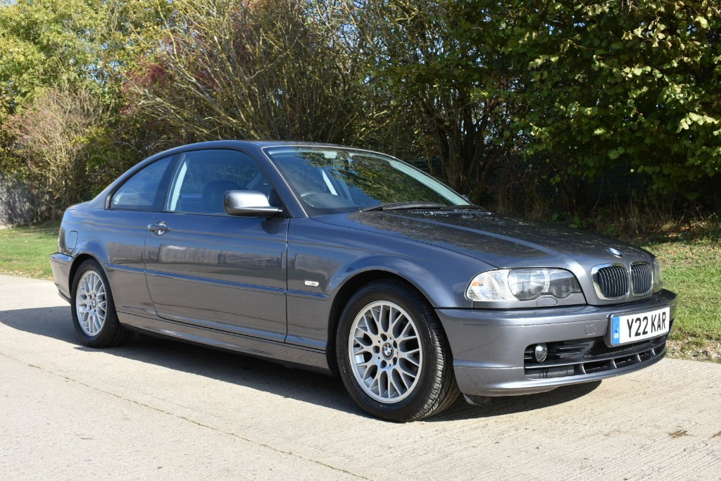 used BMW 318i  in Berkshire