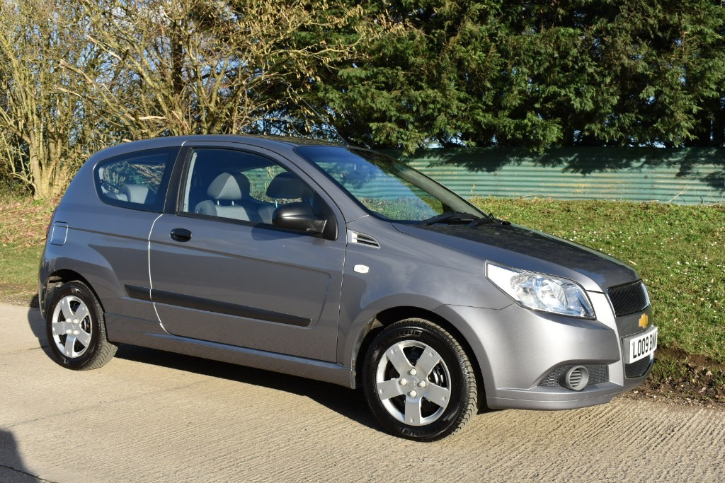 used Chevrolet Aveo S in Berkshire