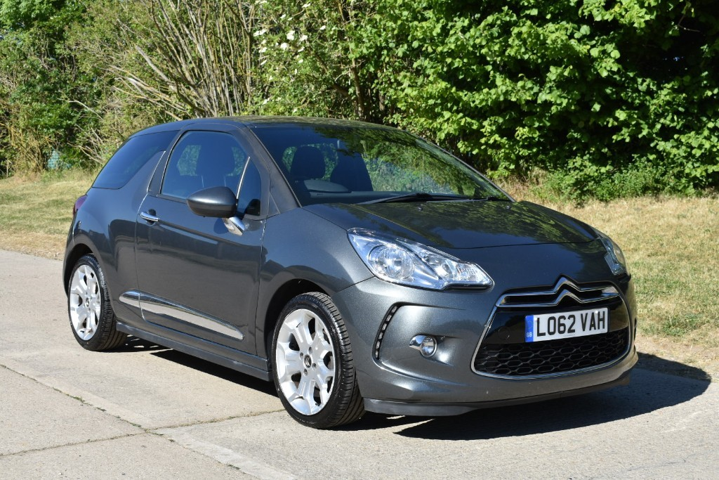 used Citroen DS3 E-HDI DSTYLE in Berkshire