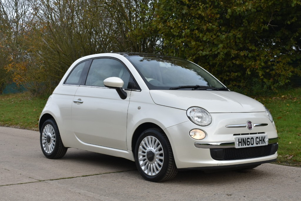 used Fiat 500 LOUNGE DUALOGIC in Berkshire