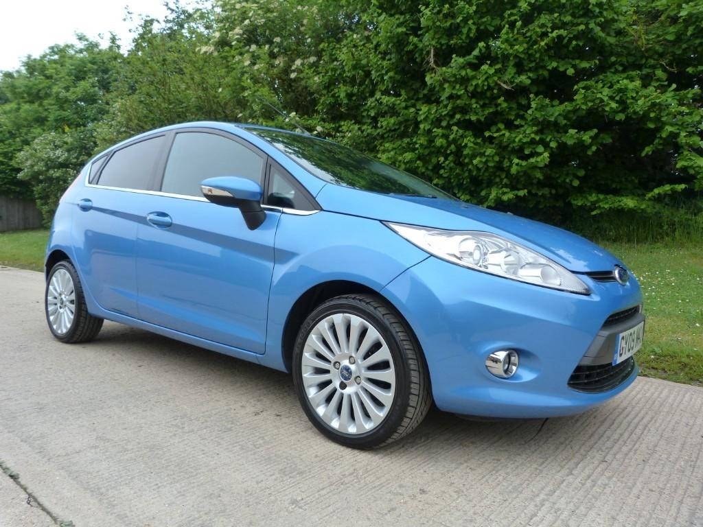 used Ford Fiesta TITANIUM in Berkshire