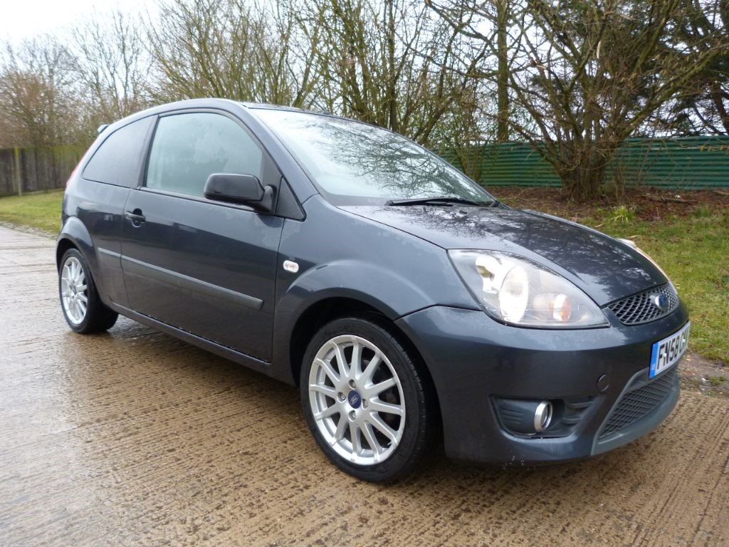 used Ford Fiesta ZETEC S in Berkshire