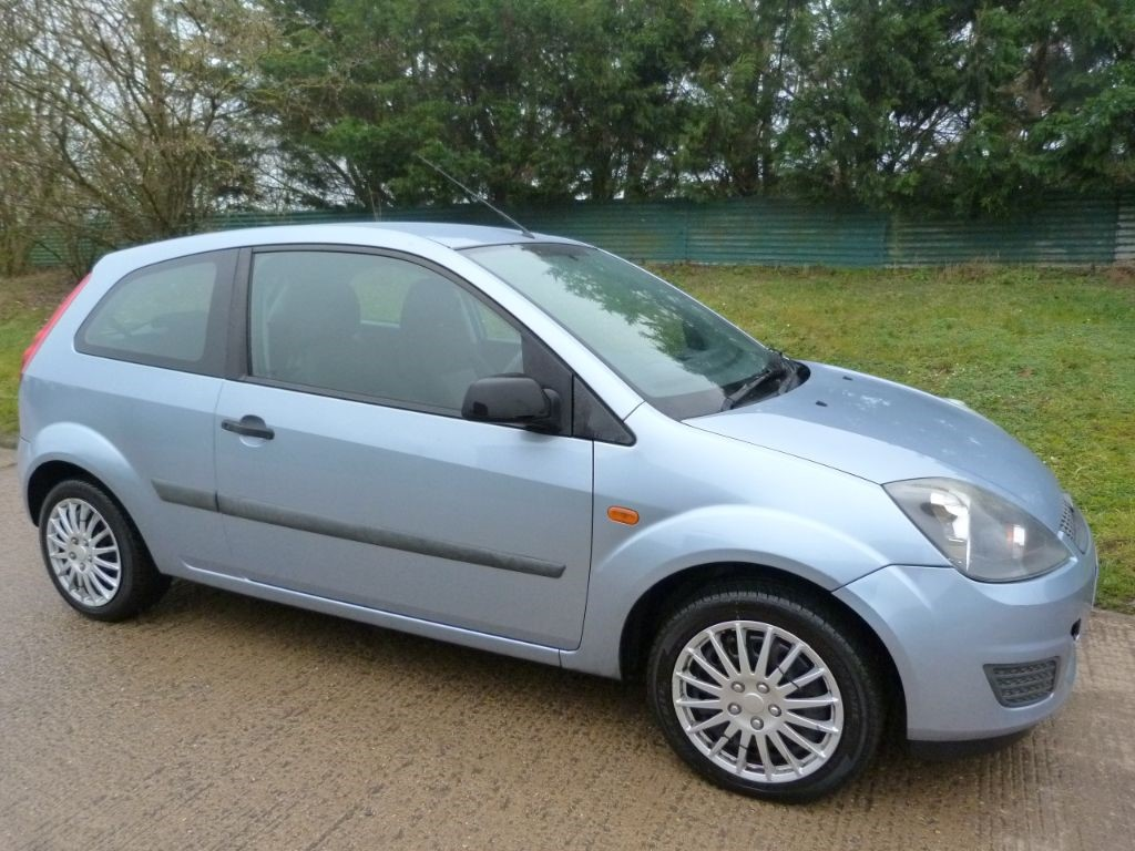 used Ford Fiesta STYLE CLIMATE 16V in Berkshire