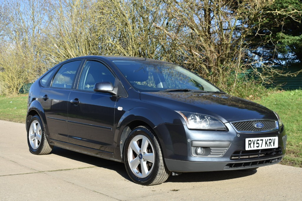 used Ford Focus ZETEC CLIMATE in Berkshire
