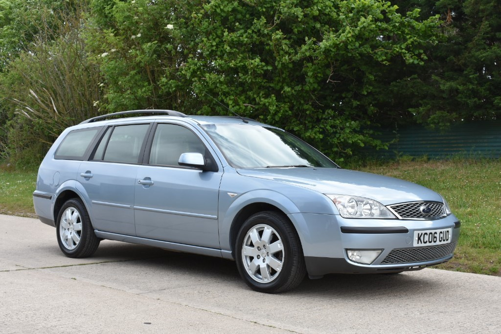 used Ford Mondeo ZETEC NAV TDCI in Berkshire
