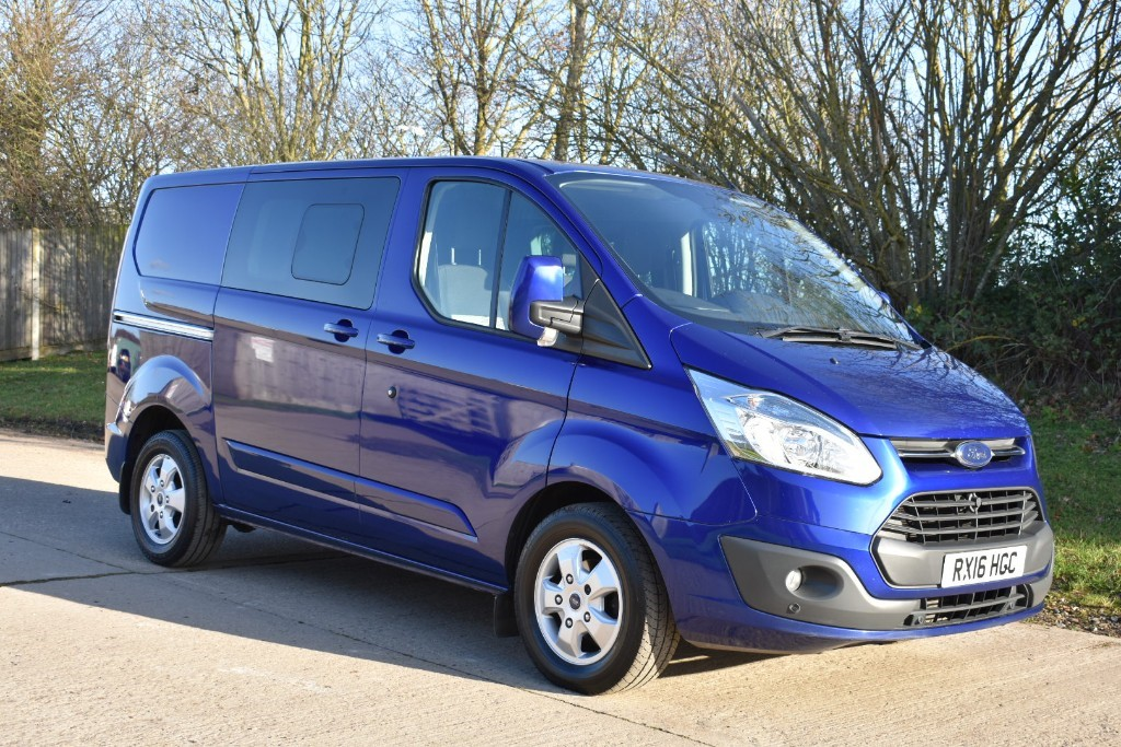 used Ford Transit Custom 290 LIMITED LR DCB in Berkshire