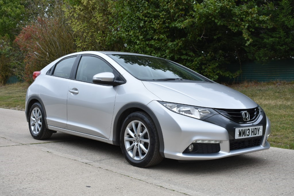 used Honda Civic I-VTEC ES in Berkshire