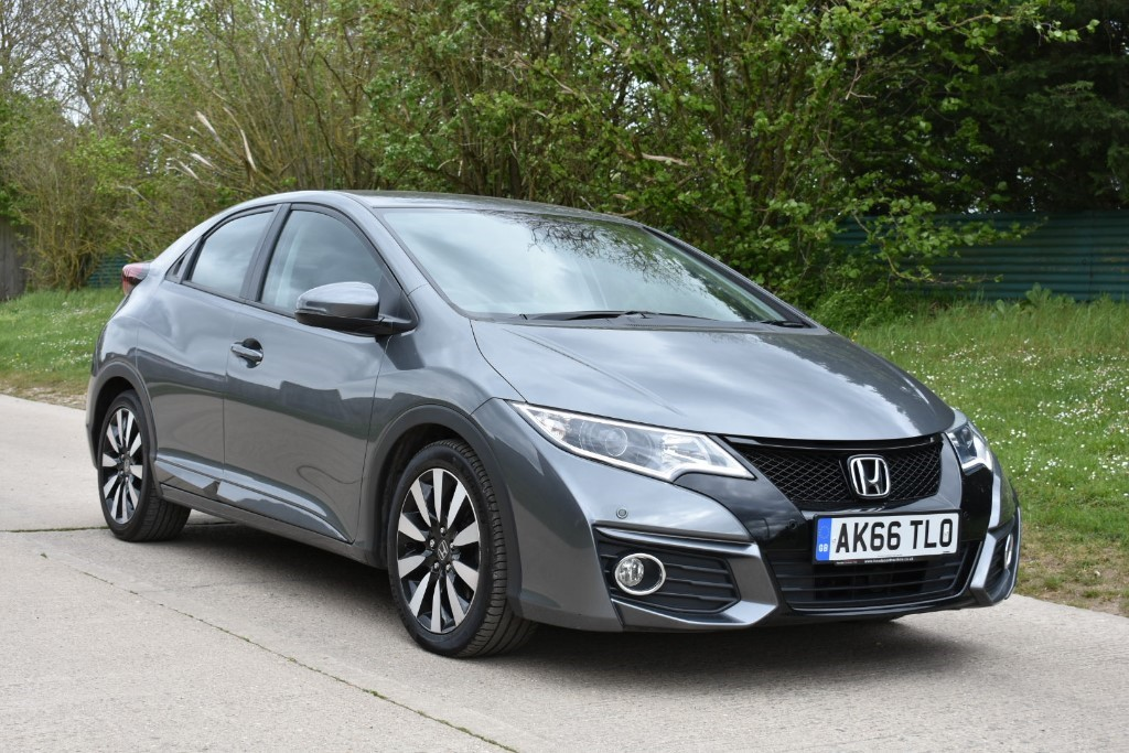 used Honda Civic I-VTEC SE PLUS NAVI in Berkshire