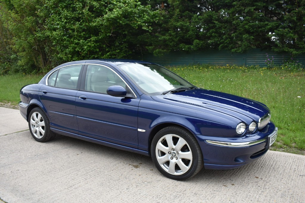 used Jaguar X-Type SE in Berkshire