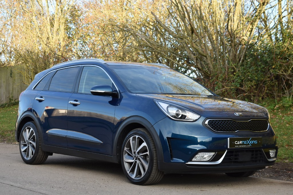 used Kia Niro FIRST EDITION in Berkshire