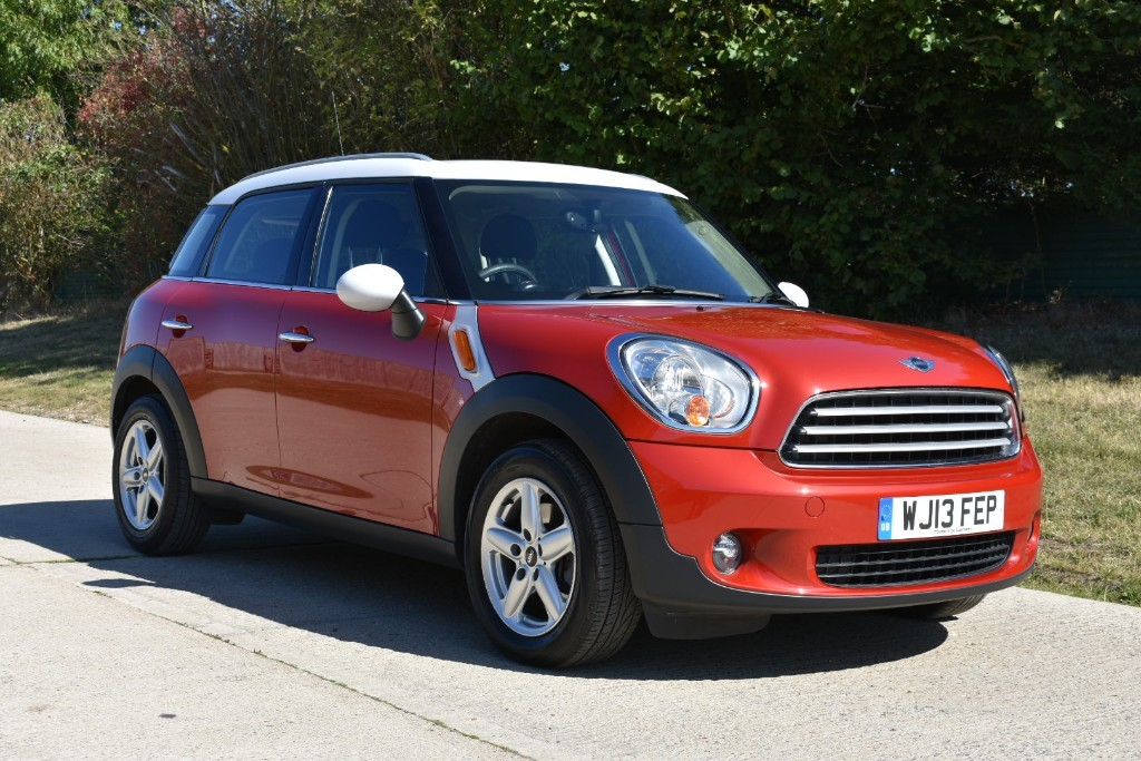 used MINI Countryman COOPER in Berkshire