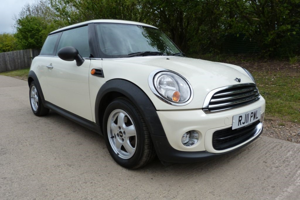 used MINI Hatch ONE in Berkshire