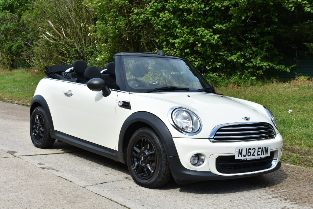 used MINI Convertible ONE in Berkshire