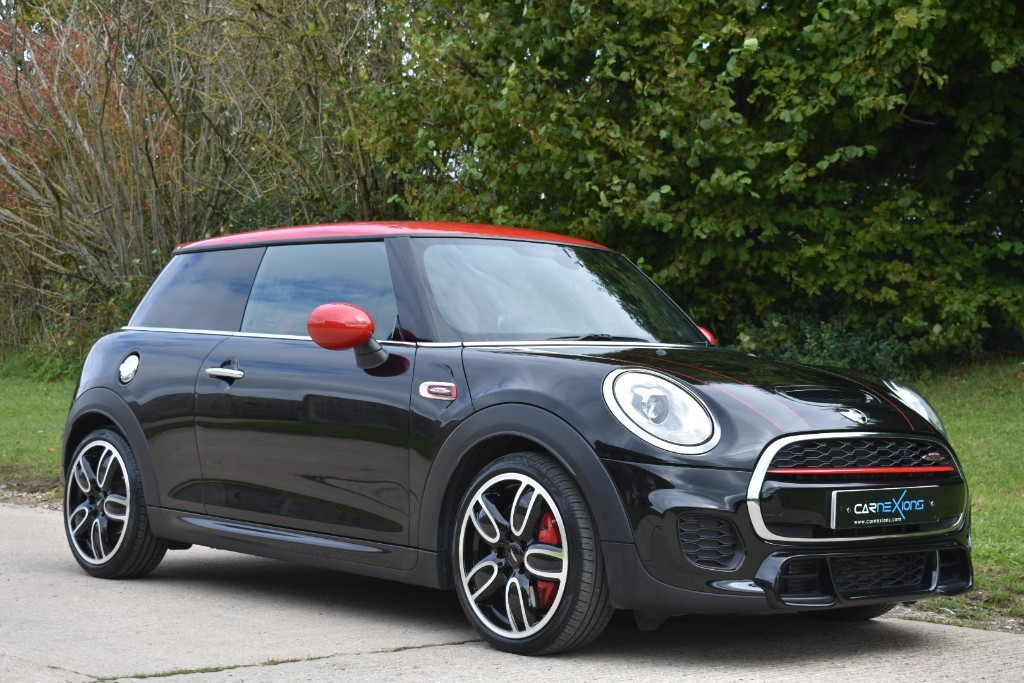 used MINI  JOHN COOPER WORKS in Berkshire
