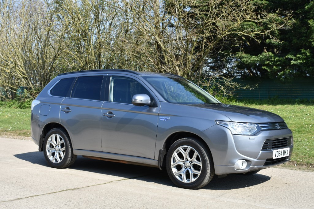 used Mitsubishi Outlander PHEV GX 4H in Berkshire