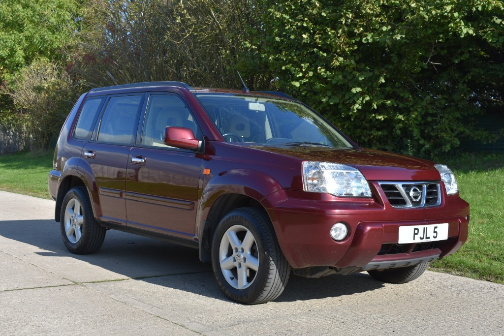 used Nissan X-Trail SE PLUS TD in Berkshire
