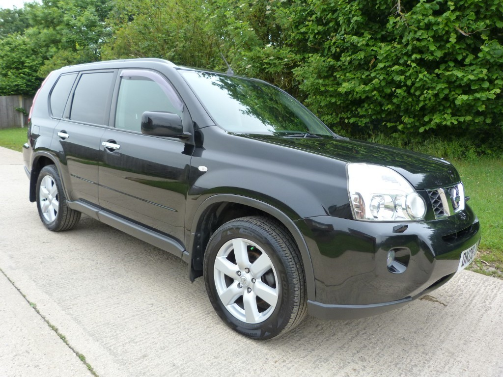 used Nissan X-Trail DCI AVENTURA EXPLORER in Berkshire