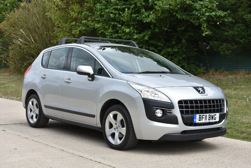 used Peugeot 3008 HDI SPORT in Berkshire