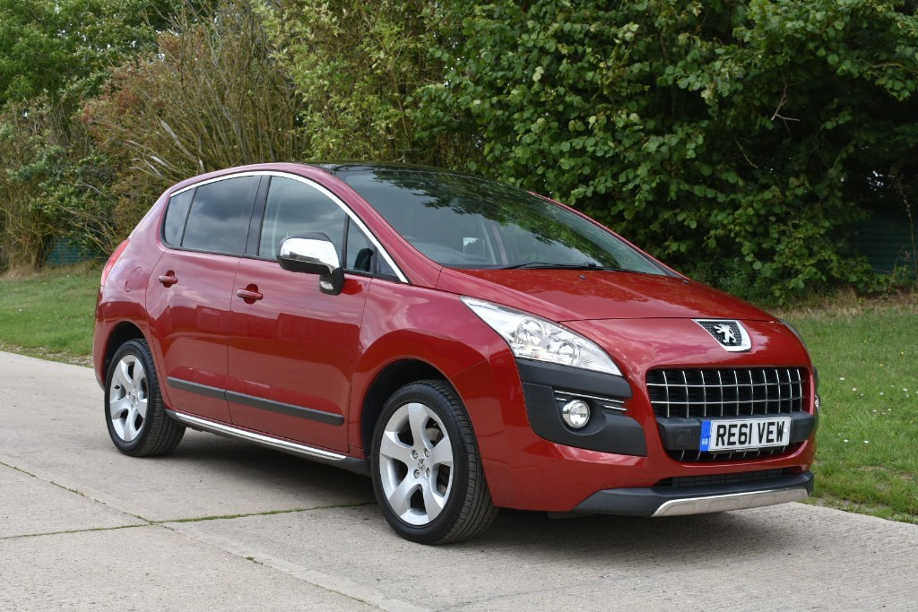 used Peugeot 3008 HDI EXCLUSIVE in Berkshire