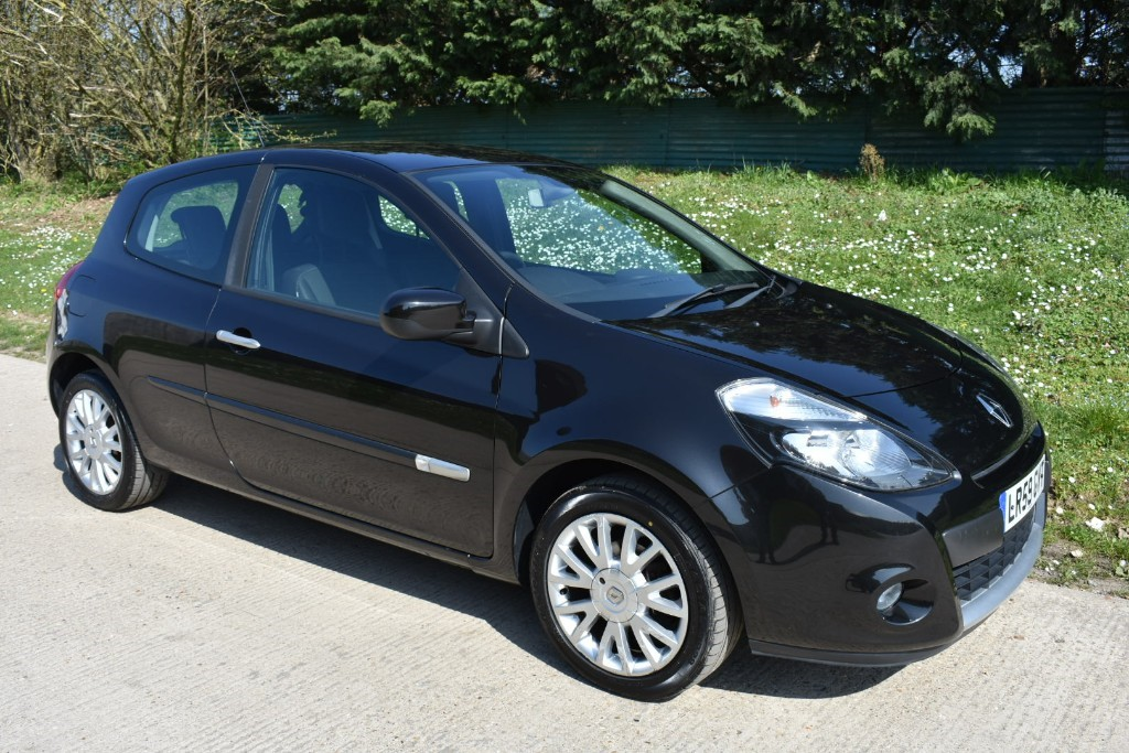 used Renault Clio DYNAMIQUE 16V in Berkshire
