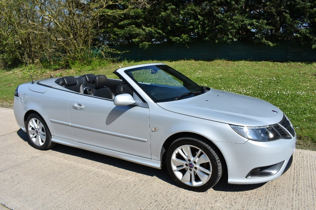 used Saab 9-3 VECTOR SPORT in Berkshire