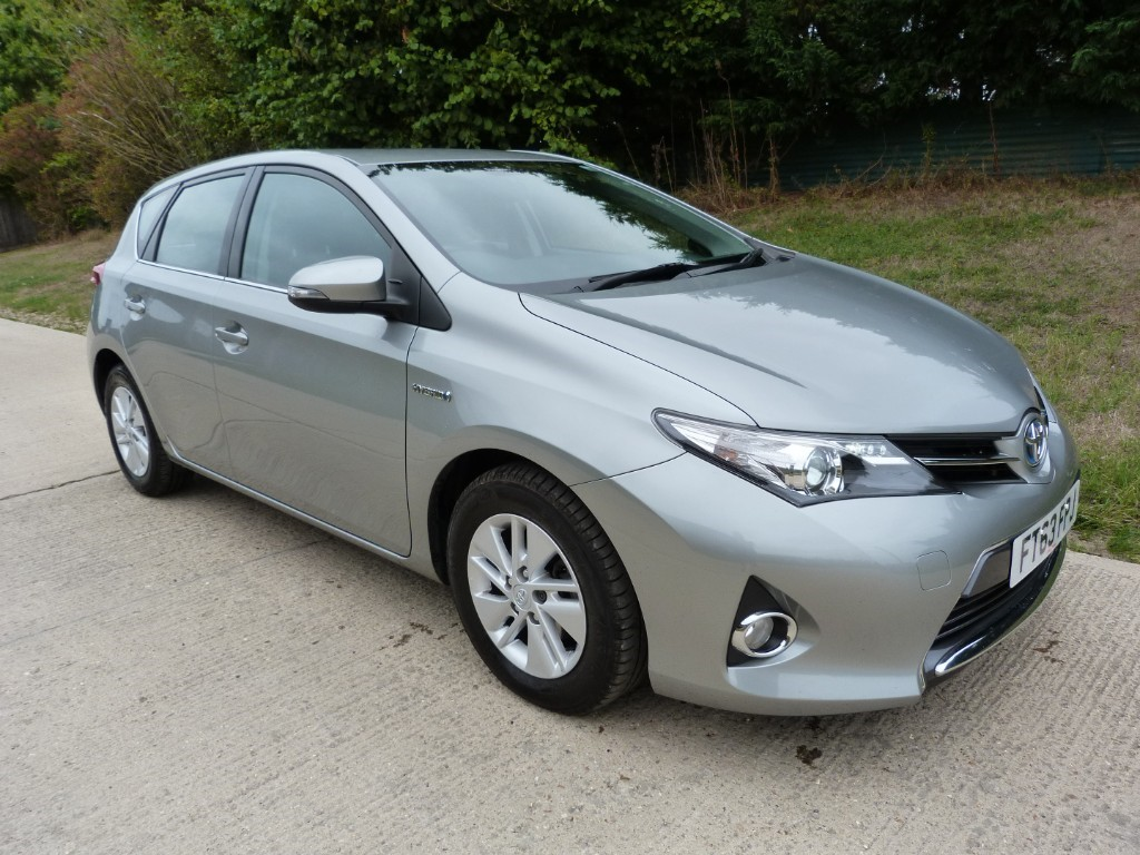 used Toyota Auris VVT-I ICON in Berkshire