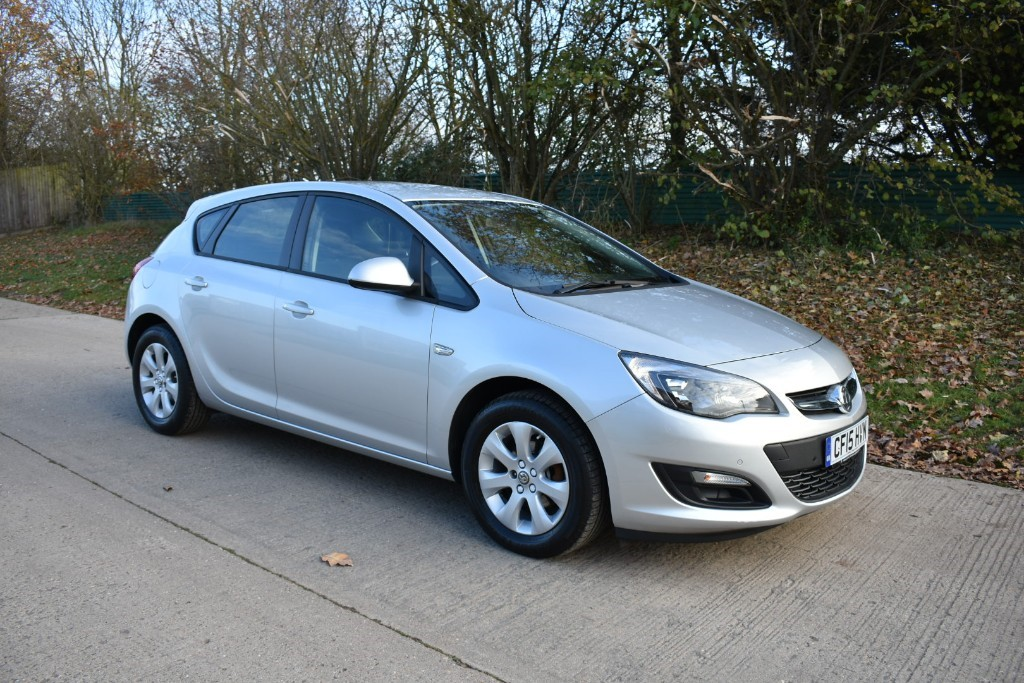 used Vauxhall Astra DESIGN in Berkshire