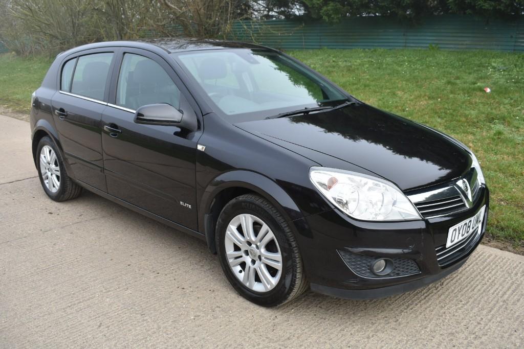 used Vauxhall Astra ELITE in Berkshire