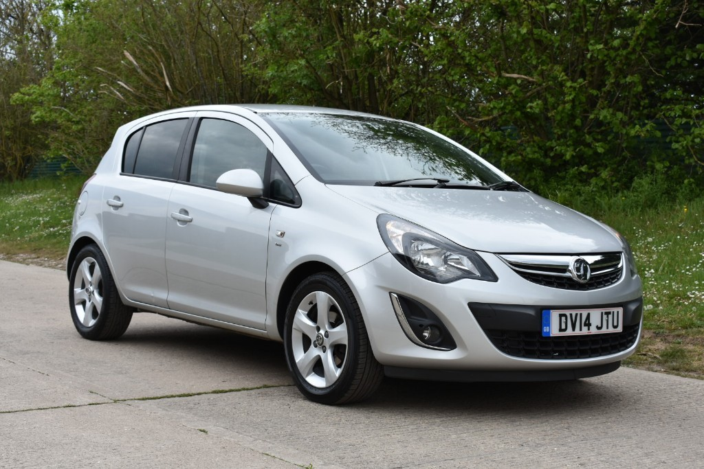 used Vauxhall Corsa SXI AC in Berkshire