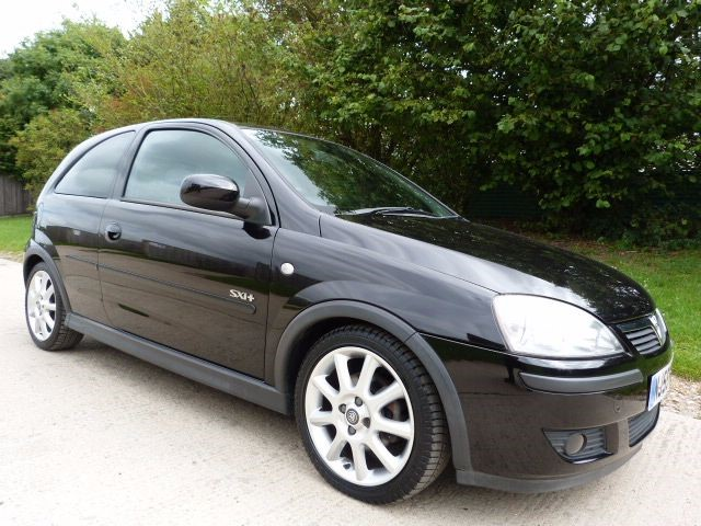 used Vauxhall Corsa SXI PLUS 16V TWINPORT in Berkshire