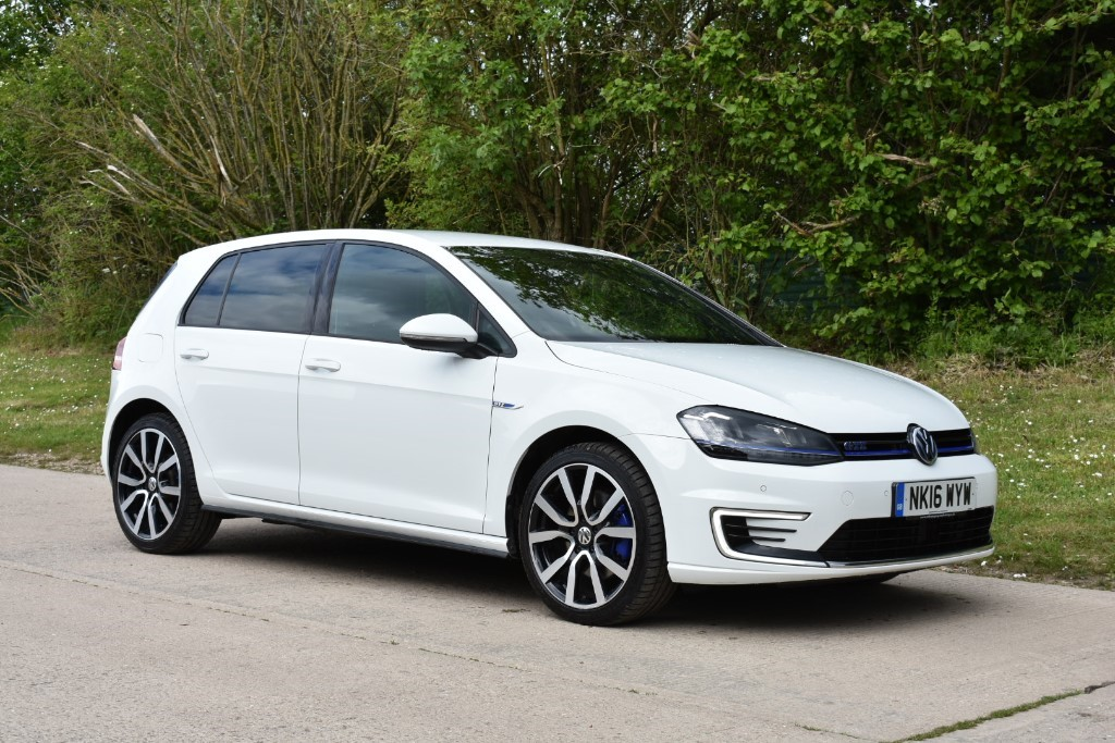 used VW Golf GTE DSG in Berkshire