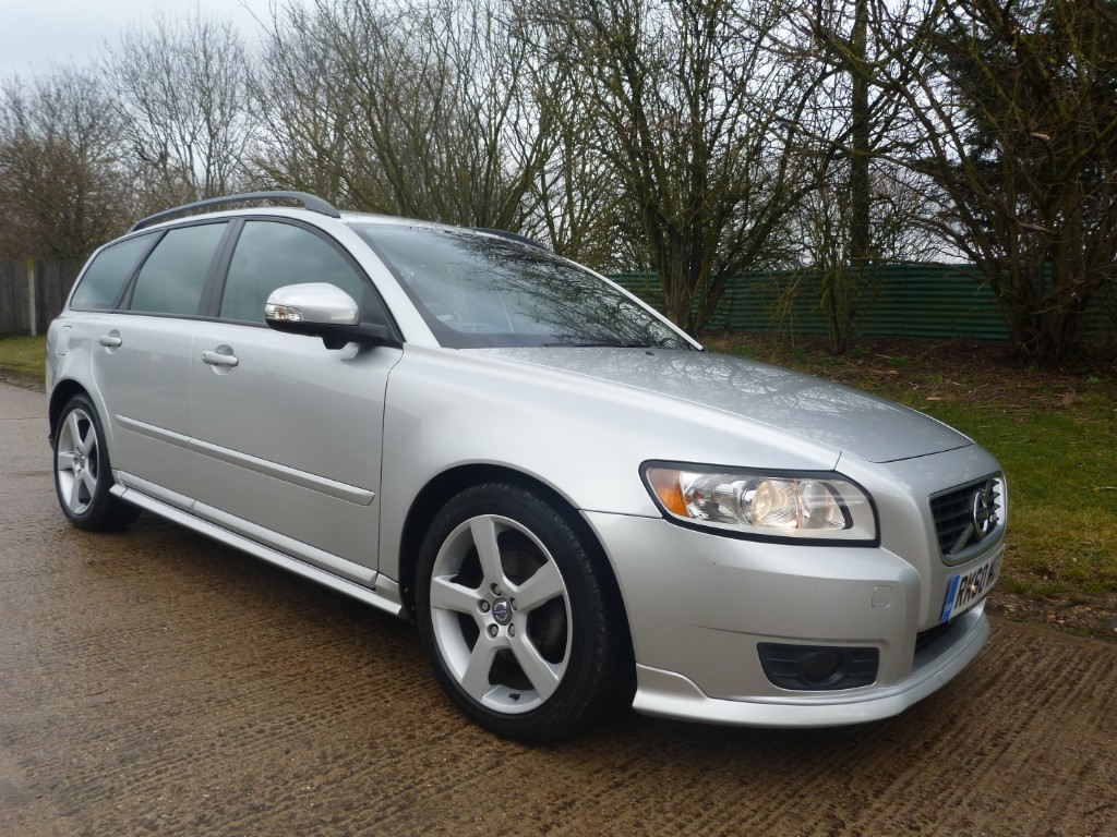 used Volvo V50 D2 R-DESIGN in Berkshire