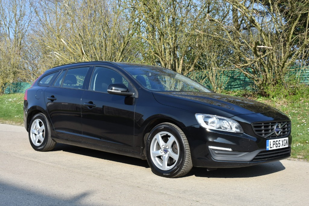 used Volvo V60 D4 BUSINESS EDITION in Berkshire