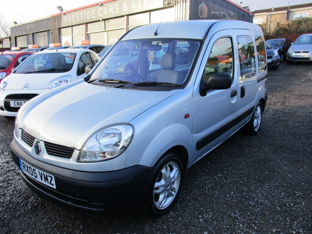 used Renault Kangoo GOWRINGS MOBILITY AUTHENTIQUE 16V in torfaen