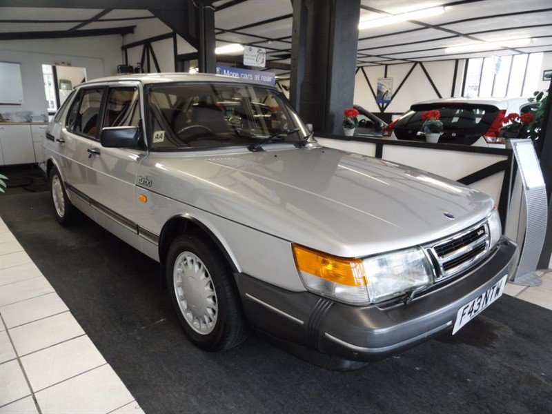 used Saab 900 16v 5dr in chelmsford