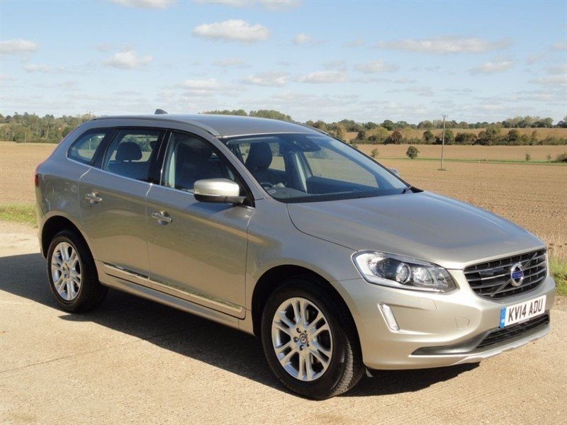used Volvo XC60 D5 SE LUX NAV AWD in chelmsford-essex