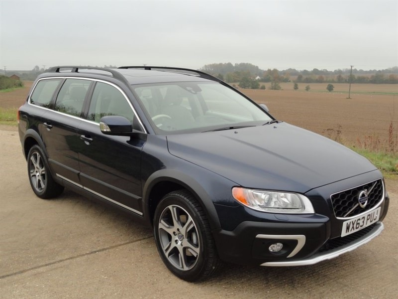 used Volvo XC70 D4 SE LUX AWD in chelmsford-essex