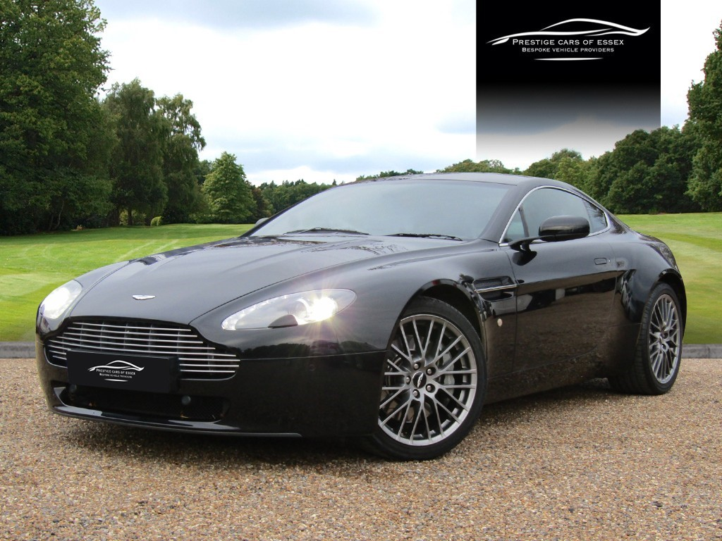 used Aston Martin Vantage V8 in ongar-essex