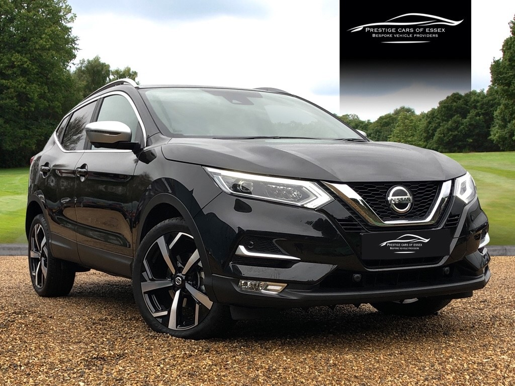 used Nissan Qashqai DIG-T TEKNA PLUS DCT in ongar-essex