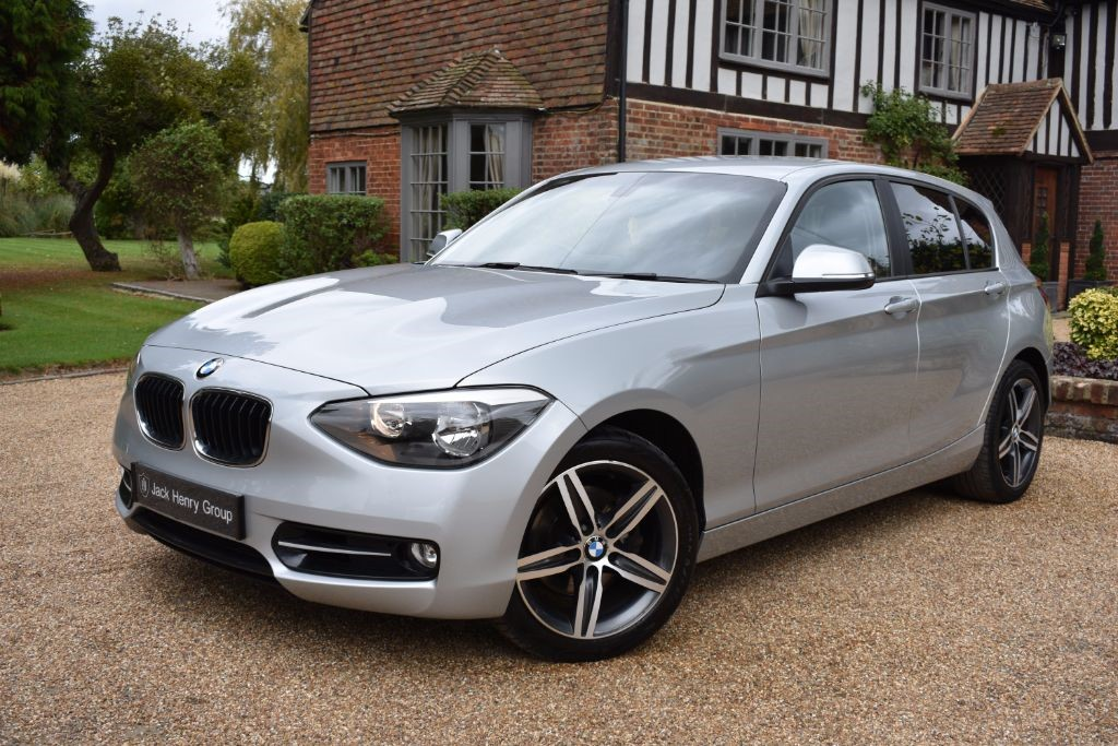 used BMW 118i SPORT in in-kent