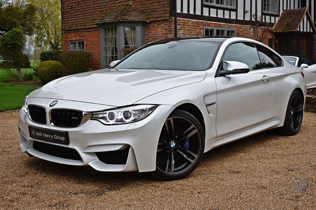 used BMW M4  in in-kent