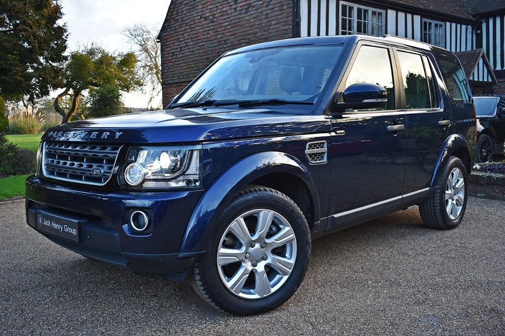 used Land Rover Discovery SDV6 SE TECH in in-kent