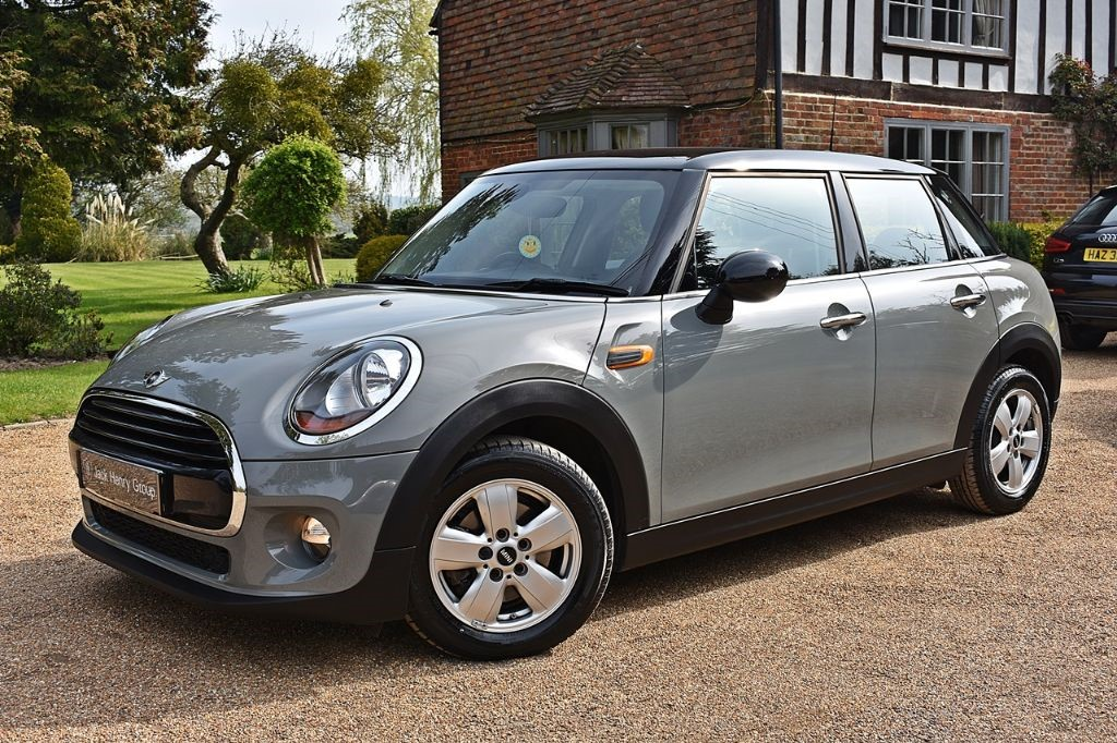 used MINI Hatch COOPER in in-kent