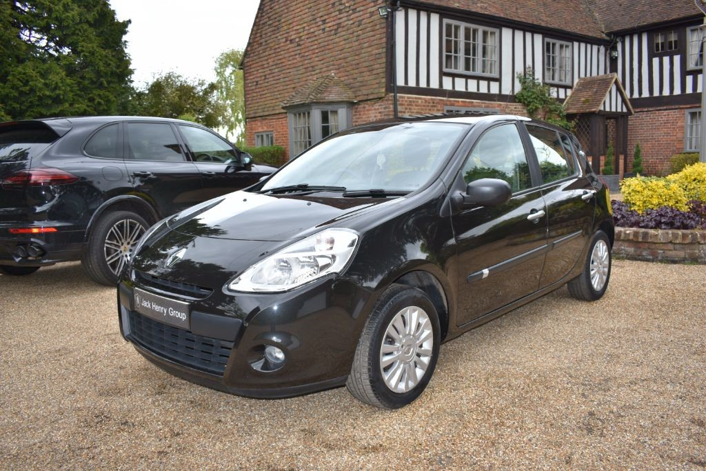 used Renault Clio 16v I-Music 5dr (Euro 5) in in-kent
