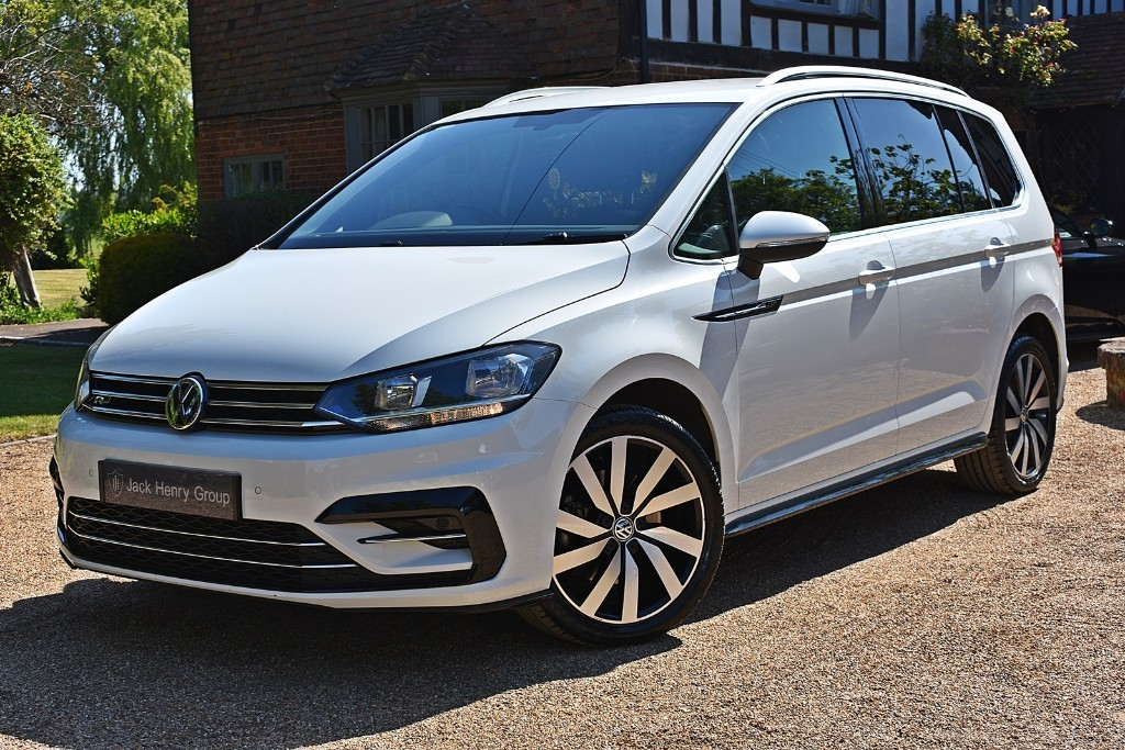 used VW Touran R-LINE TDI BLUEMOTION TECHNOLOGY DSG in in-kent