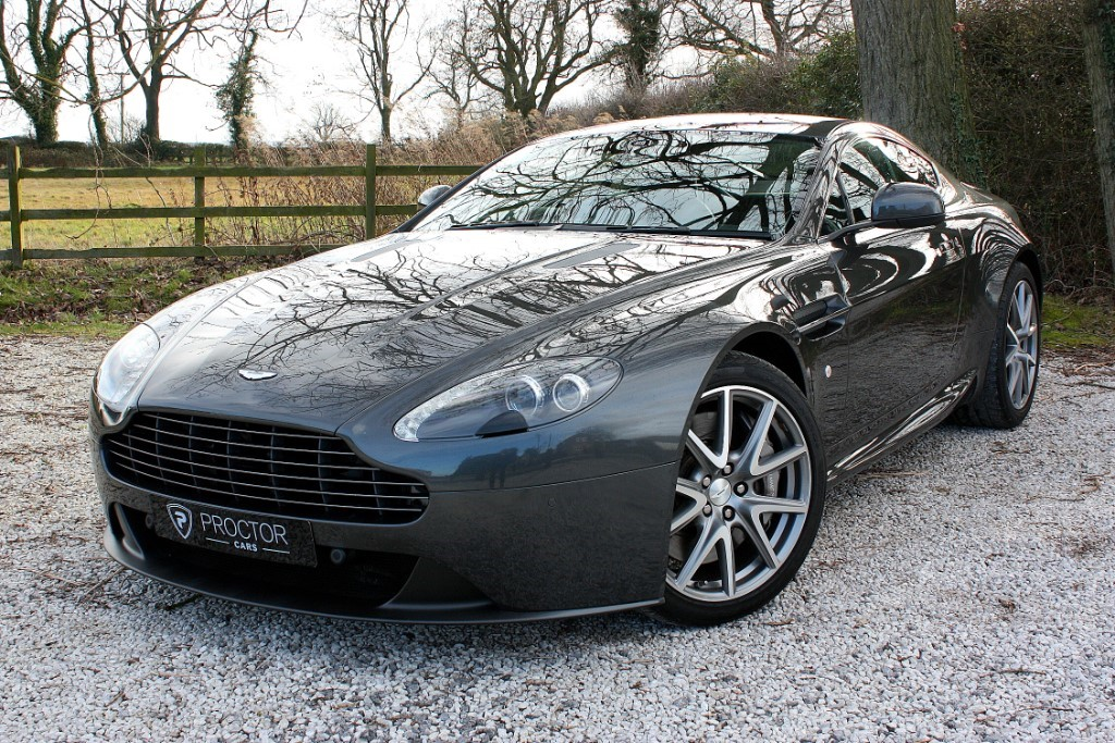 all Aston Martin Vantage 4.7 V8 2dr in wessington-derbyshire