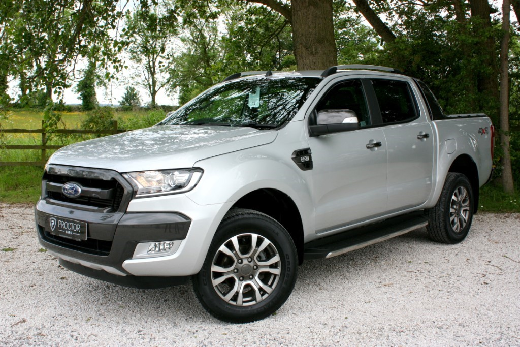 all Ford Ranger 3.2 TDCi Wildtrak Double Cab Pickup 4x4 4dr (EU6) in wessington-derbyshire